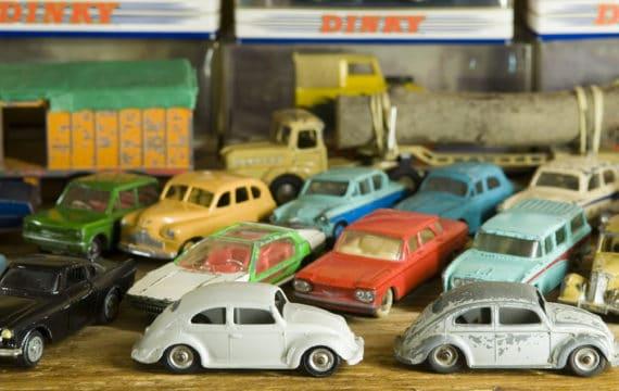 Speelgoed autos speelgoedmuseum Veluwe Uitje Dagjeweg 570x360