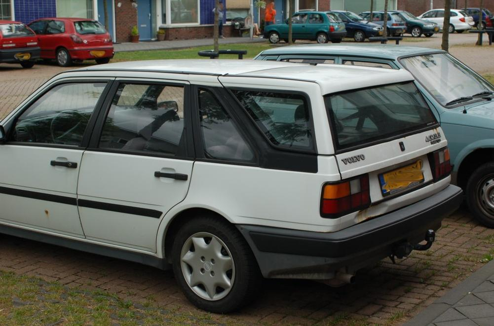 volvo440estate1