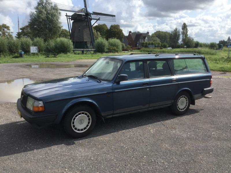 Volvo240-8.JPG