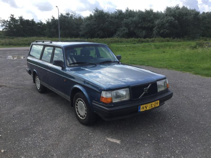 Volvo240-9.JPG